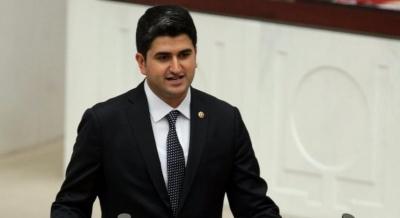 CHP'li vekil yeni İmam Hatip okullarını meclise taşıdı