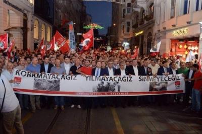 CHP'liler suikasti protesto etmek için yürüdü