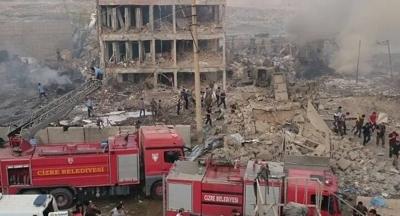 Cizre'de bombalı araçla saldırı: 11 polis şehit, 78 yaralı