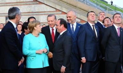 Cumhurbaşkanı Erdoğan uçak gösterisini izledi ve Merkel'le görüştü