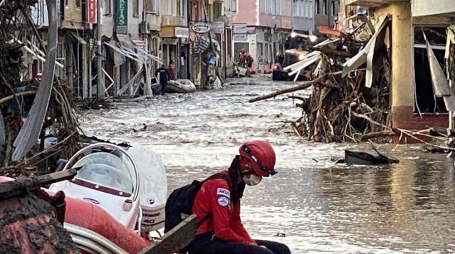 Cumhurbaşkanı kararıyla, afetlerde zarar gören vatandaşlar için AFAD koordinesinde yardım kampanyası başlatıldı