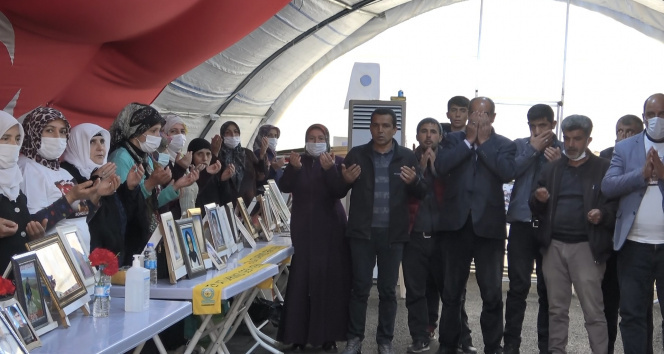 Diyarbakır'da evlat nöbetindeki aileler, Bakan Soylu'ya başsağlığı diledi