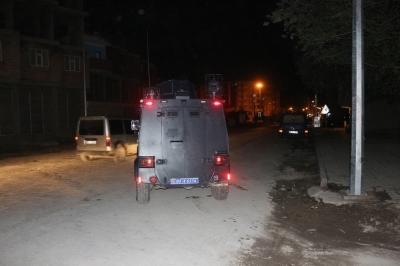 Doğubeyazıt'ta polis lojmanlarına alçak saldırı