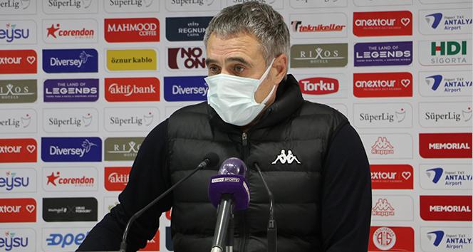 Ersun Yanal: 'Oyuncularımızın defansif disiplinleri her geçen gün daha iyi oluyor'