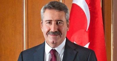 Eski İzmir Valisi serbest bırakıldı