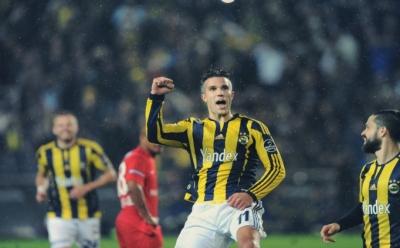 Fenerbahçe 3 puanı 3 golle aldı.