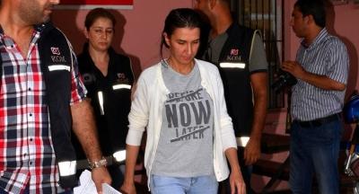 FETÖ'nün 'ablası' 100 bin dolarla yakalandı