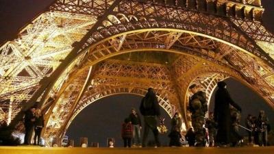 Fransa'da OHAL süresi 6 ay uzatıldı