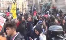 Fransa'da olağanüstü hal ilanının kaldırılması için eylem yapıldı