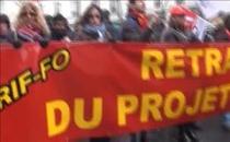Fransa'da sendikalar ve öğrenciler protesto gösterisi düzenledi