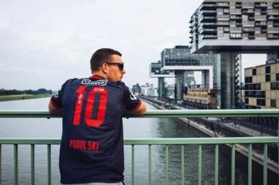 Galatasaray taraftarından Podolski'ye ihanet paylaşımı