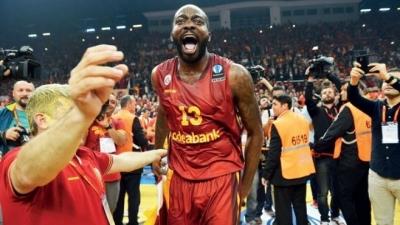 Galatasaray'a şok ceza! 1 yıl men edildi