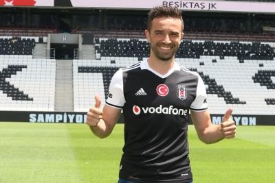 Gökhan Gönül: 'Beşiktaş camiası beni kollarını açarak karşıladı'
