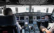 Havayolu şirketleri, pilot transferi yarışına girdi