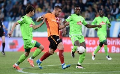 Beşiktaş derbisi öncesi Podolski gelişmesi
