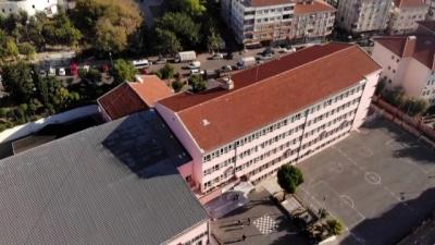 İstanbul'da ağır hasarlı okul havadan görüntülendi