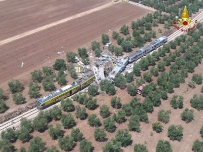 İtalya'da tren faciası! 20 ölü
