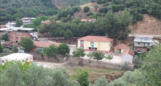 İzmir'de vaka artışı sebebiyle köy okulunda eğitime ara verildi