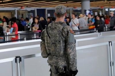 JFK Havalimanı'nda şüpheli paket alarmı