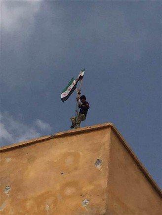 Keklice'ye ÖSO bayrağı dikildi