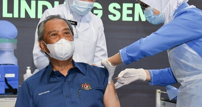 Malezya'da Covid-19 aşılamaları başladı