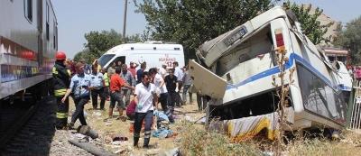 Manisa'da korkunç tren kazası!