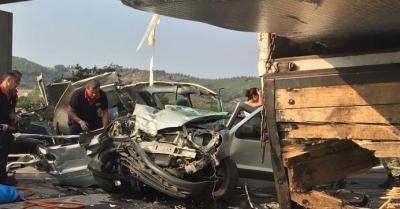 Afyonkarahisar'da akılalmaz kaza: 5 ölü, 4 yaralı
