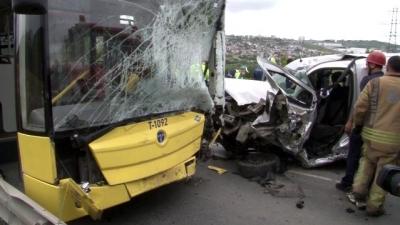 Otobüs ve Otomobilin Çarpıştığı Kazada 1 Kişi Hayatını Kaybetti