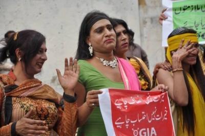 Pakistan Şeriat Kurulu Translar için fetva yayınladı