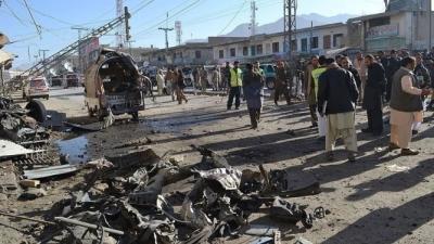 Pakistan'da canlı bomba saldırısı: 12 ölü, 41 yaralı