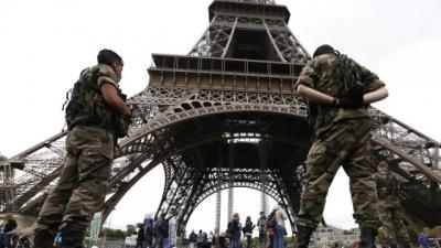 Paris'te turizme 'terör' engeli