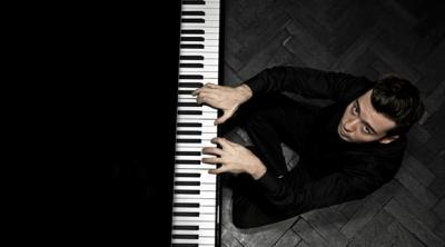 Piyanist Emre Yavuz, Avusturya'dan ödülleri topladı!