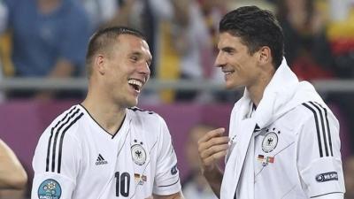 Podolski'den Gomez cevabı