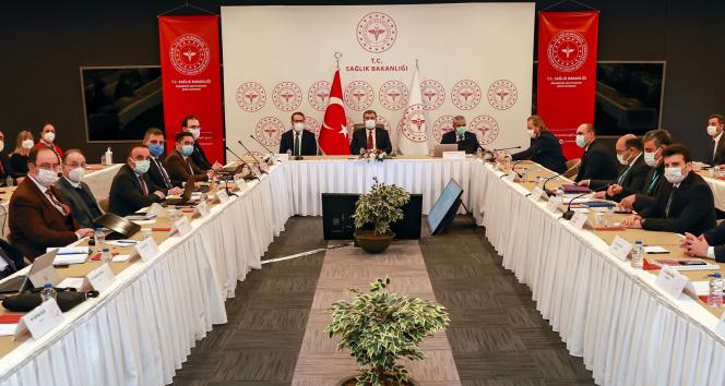 """Sağlık Bakanı Koca: """"İstanbul'da polikliniklerimizde hasta artışı olduğu görülüyor"""""""