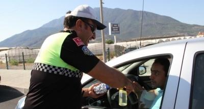 Trafik polislerinden bayram tarifesi!