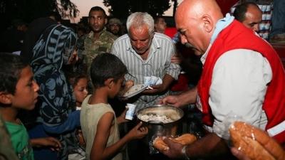 Cerablus'ta Türk Kızılayı 5 bin kişiye yardım götürdü