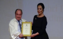 Türkan Şoray'a fahri doktora ünvanı verildi