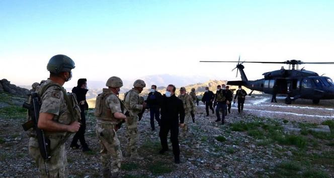 Vali Pehlivan, Cudi Dağı Üs Bölgesi'nde askerlerle iftar yaptı