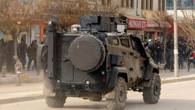 Van'da zırhlı araca bombalı saldırı