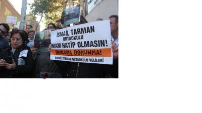 Vefa Lisesi önünde protesto