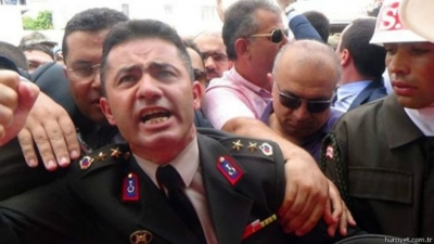 Yarbay Mehmet Alkan için imza kampanyası