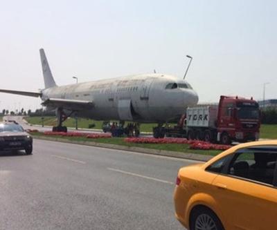 Yeşilköy'de uçak yola çıktı